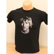 Potlač rastrovanej fotografie na čierne tričko